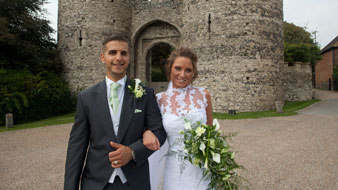 wedding photo cooling castle barn