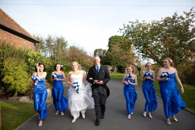 bridal party cooling castle barn